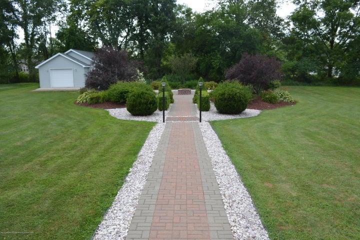 1243 Nicholas Ln - Paved Walkway - 41