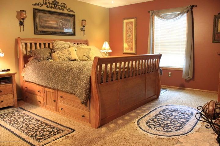 1243 Nicholas Ln - Master Bedroom - 18