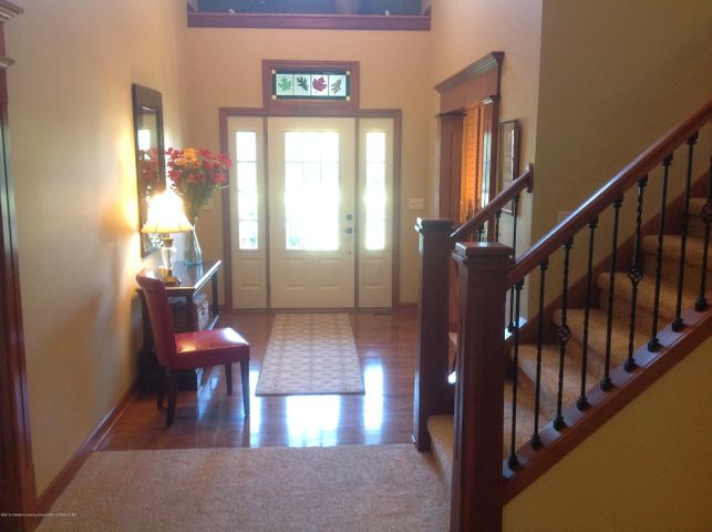 3282 Canopy Dr - Foyer with Stained Glass Window - 5