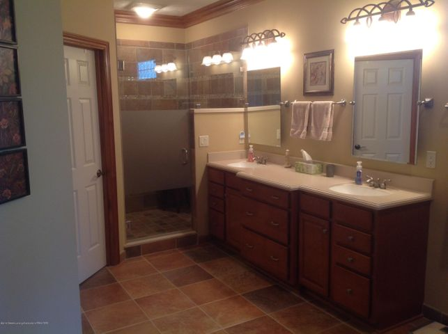 3282 Canopy Dr - Bath with Ceramic Shower & Heated Floor - 8