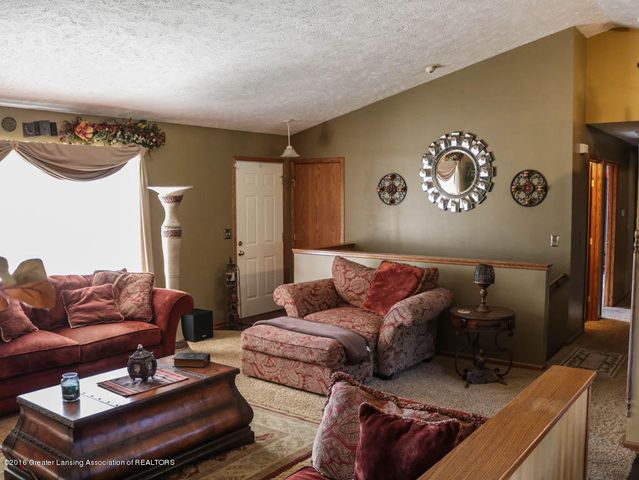 1243 Nicholas Ln - Living Room - 5