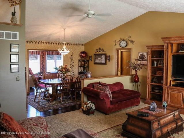 1243 Nicholas Ln - Living Room - 7