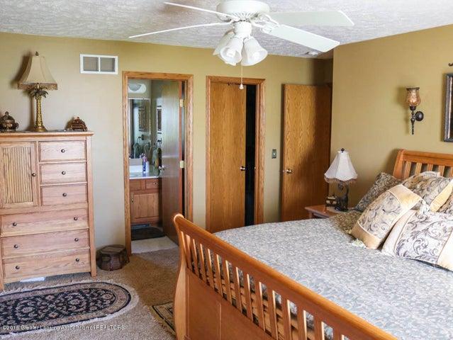 1243 Nicholas Ln - Master Bedroom - 19