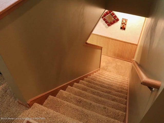 1243 Nicholas Ln - Staircase - 26