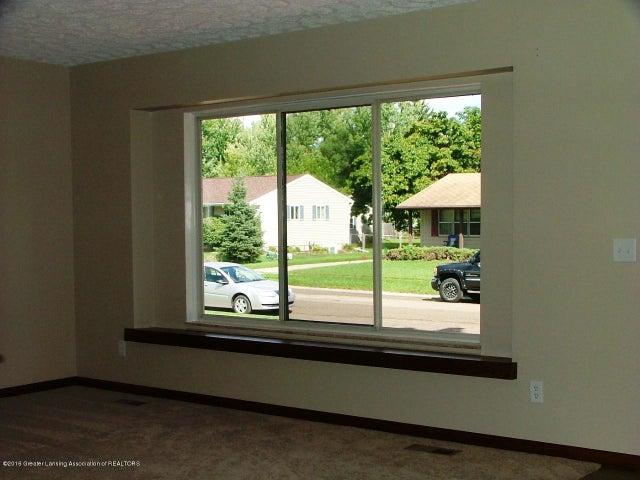 322 Harvest Ln - 322 Harvest Lane Living Room - 2