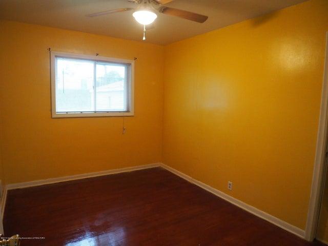 2215 Dillingham Ave - Bedroom - 18