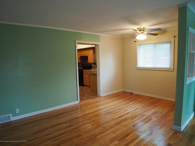 2215 Dillingham Ave - Living Room - 3