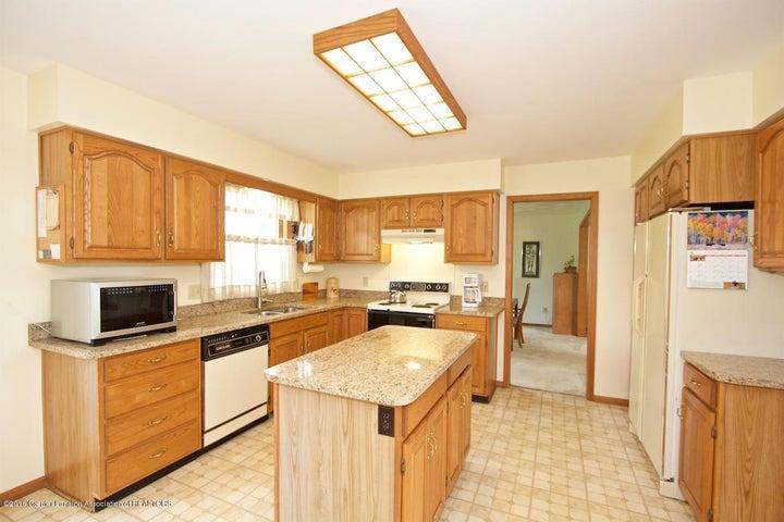 3881 Breckinridge Dr - Kitchen - 8