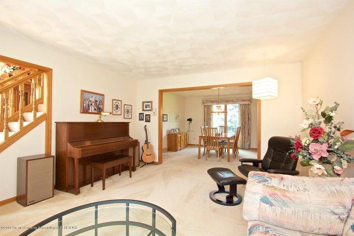 3881 Breckinridge Dr - Living Room - 4