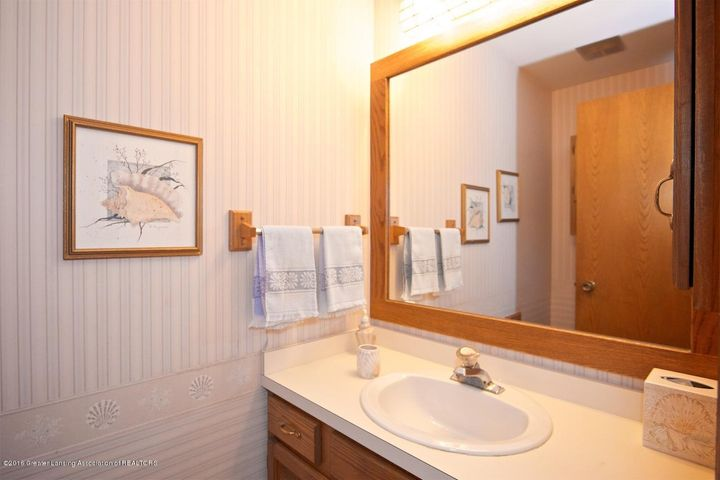 3881 Breckinridge Dr - Bathroom - 14