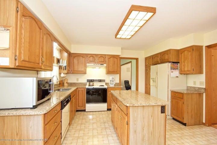 3881 Breckinridge Dr - Kitchen - 7