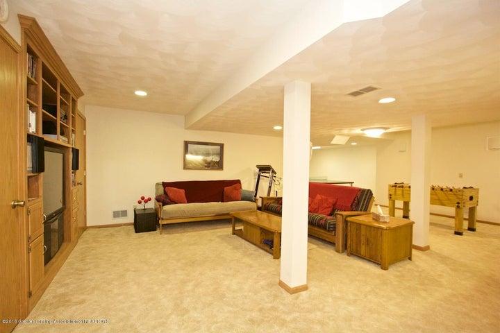 3881 Breckinridge Dr - Family Room - 17