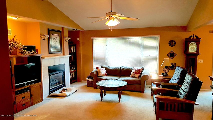 840 S Smith Rd - 5 Great Room 2 - 5