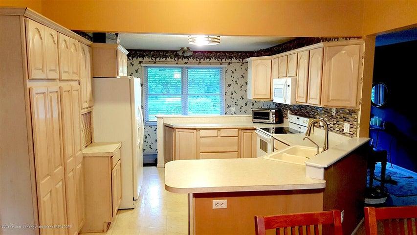 840 S Smith Rd - 9 Kitchen - 9