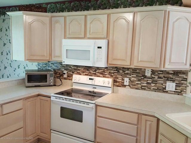 840 S Smith Rd - 10 Kitchen1 - 10