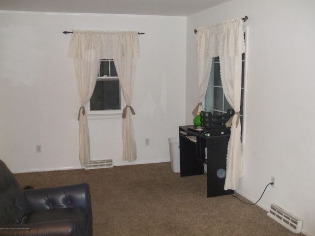 502 W Frederick Ave - Living Room - 4