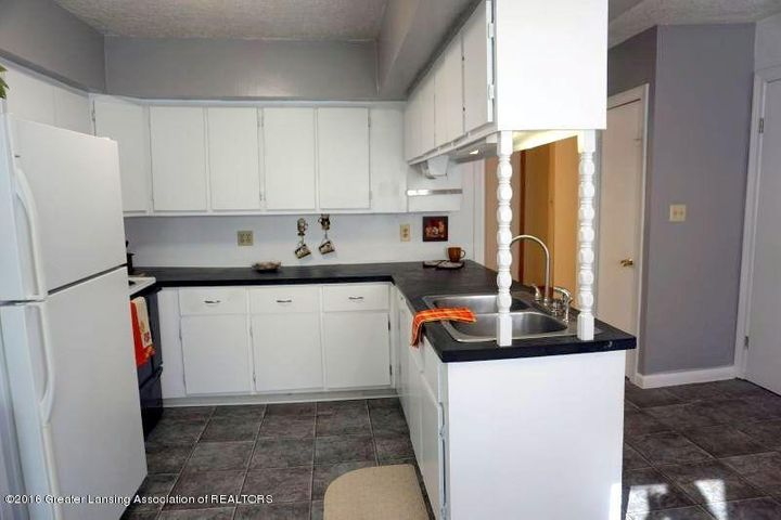 512 McClintock St - kitchen.main - 2
