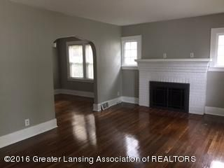814 Downer Ave - Living Room gas fireplace - 2