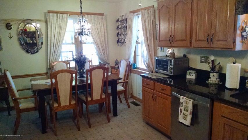 8043 W M 21 - Dining area - 7