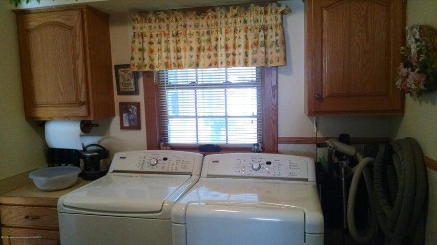 8043 W M 21 - Laundry area - 12