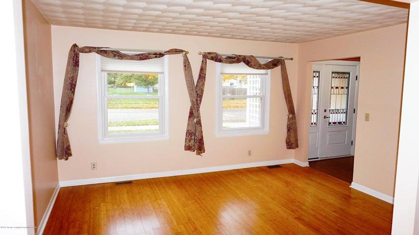 1437 Ramblewood Dr - Living Room - 3
