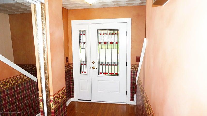 1437 Ramblewood Dr - Foyer - 2