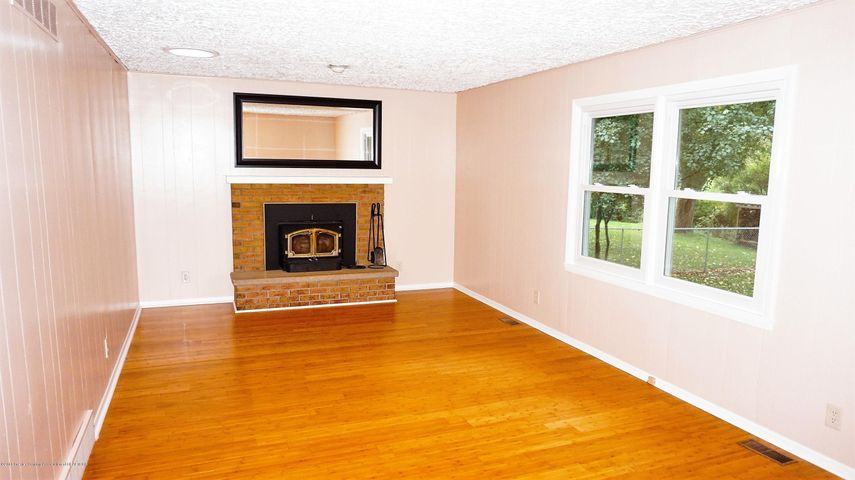 1437 Ramblewood Dr - Family Room - 7