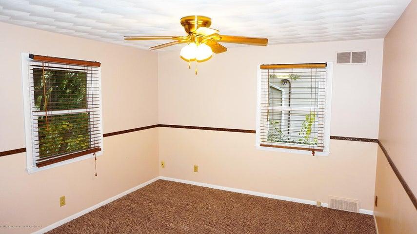 1437 Ramblewood Dr - Mstr Bedroom - 9