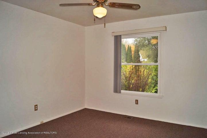2035 Riverside Ct - Bedroom 1 - 17