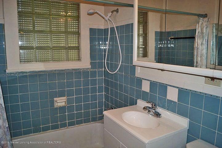 2035 Riverside Ct - Bathroom - 22