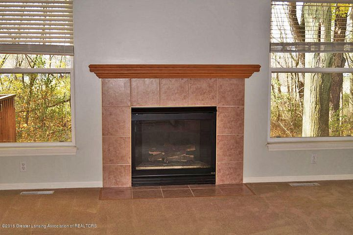 465 Fox Run Ct - Great Room - 4