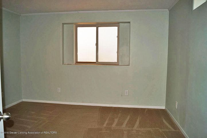 465 Fox Run Ct - Egress Bedroom - 23