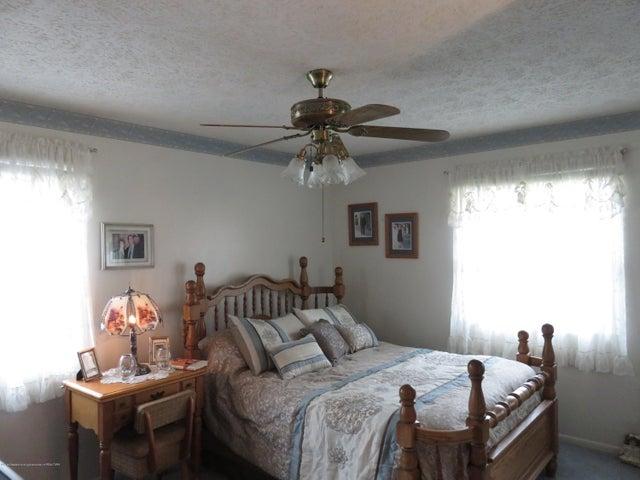 6038 Hart St - Bedroom - 11