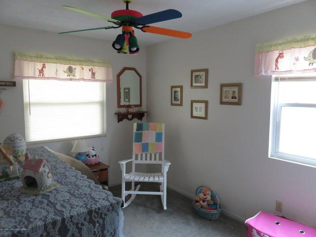 6038 Hart St - Bedroom - 14