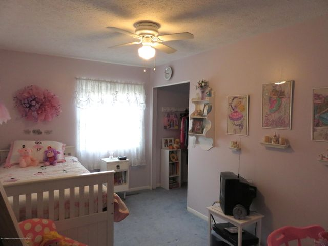 6038 Hart St - Bedroom - 15