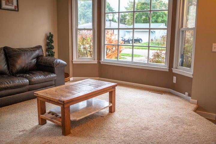4015 Brighton Dr - Living Room - 4