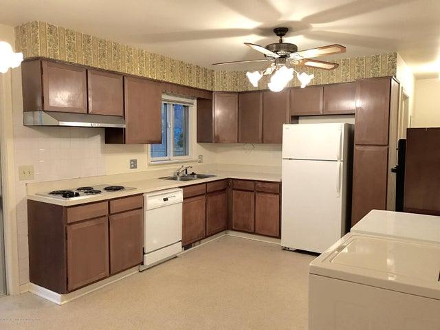 3723 Weger Pl - Kitchen - 6