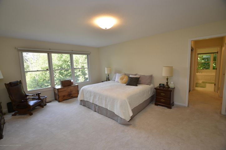 5518 White Ash Ln - MASTER BEDROOM - 16