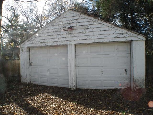 234 S Magnolia Ave - Garage - 29