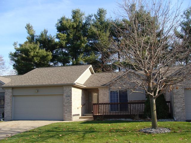 320 Emerald Dr - Extreior Front - 1