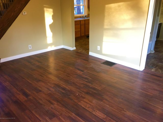 1202 W Ionia St - Dining Room - 4
