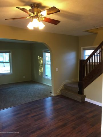 1202 W Ionia St - Dining Room - 5