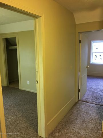 1202 W Ionia St - 2 Bedrooms to your Right - 19