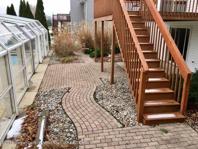 2166 Winners Cir - 18 landscaping patio 1 - 18