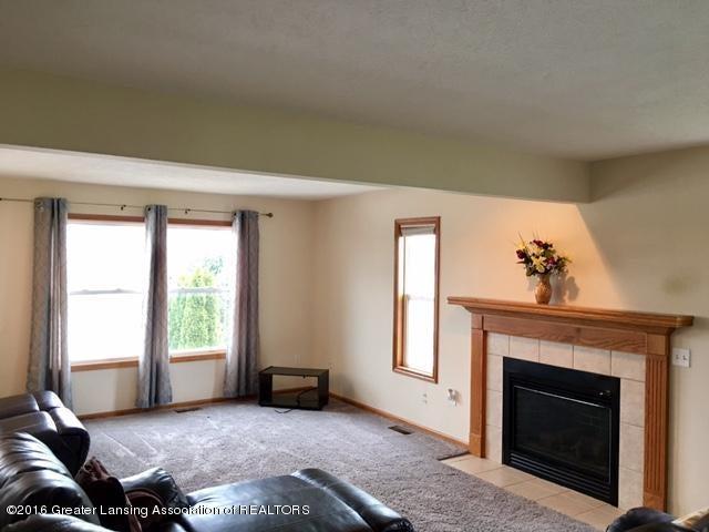 2166 Winners Cir - 35 Livingroom 2 - 35