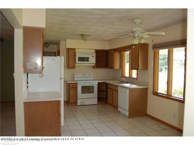 9425 Columbia Hwy - Kitchen i - 9