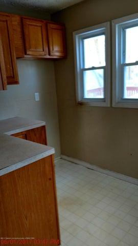 605 Clifford St - kitchen - 8