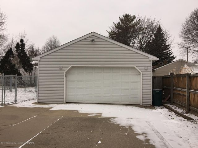 1215 N Jenison Ave - 2.5 car garage - 2
