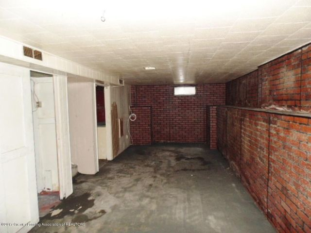 2305 W North St - Basement - 16