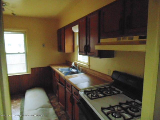 2305 W North St - Kitchen - 3